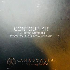 Anastasia Beverly Hills Contour Kit